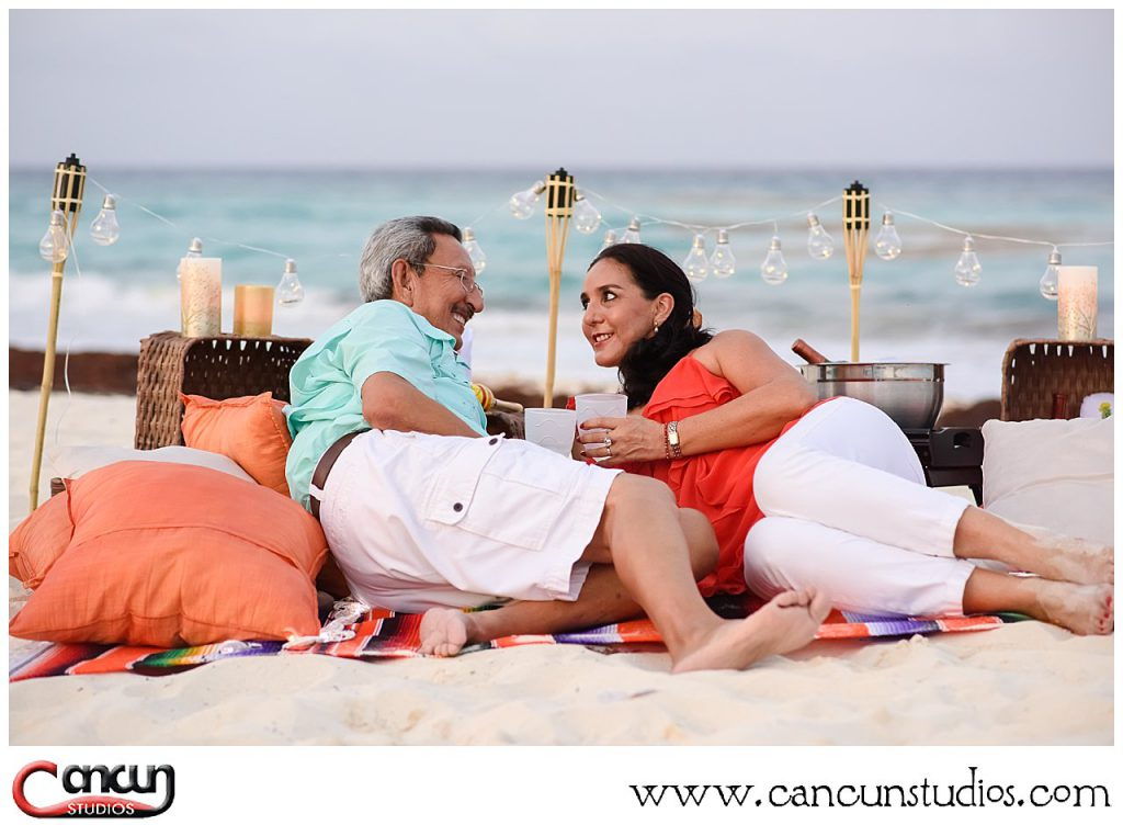 Cancun Picnic on the beach for all romantic occasions